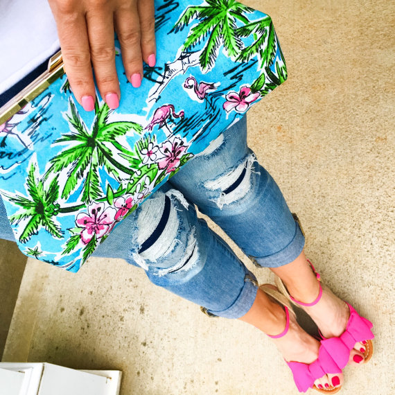 Palm Tree and Flamingo Clutch Purse / Makeup Bag by Sew Sarah R | via Palm Tree Bachelorette Party Ideas http://bit.ly/2db3WOL