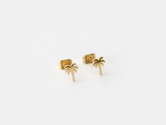 Palm Tree Stud Earrings by Maive Jewelry | via Palm Tree Bachelorette Party Ideas http://bit.ly/2db3WOL