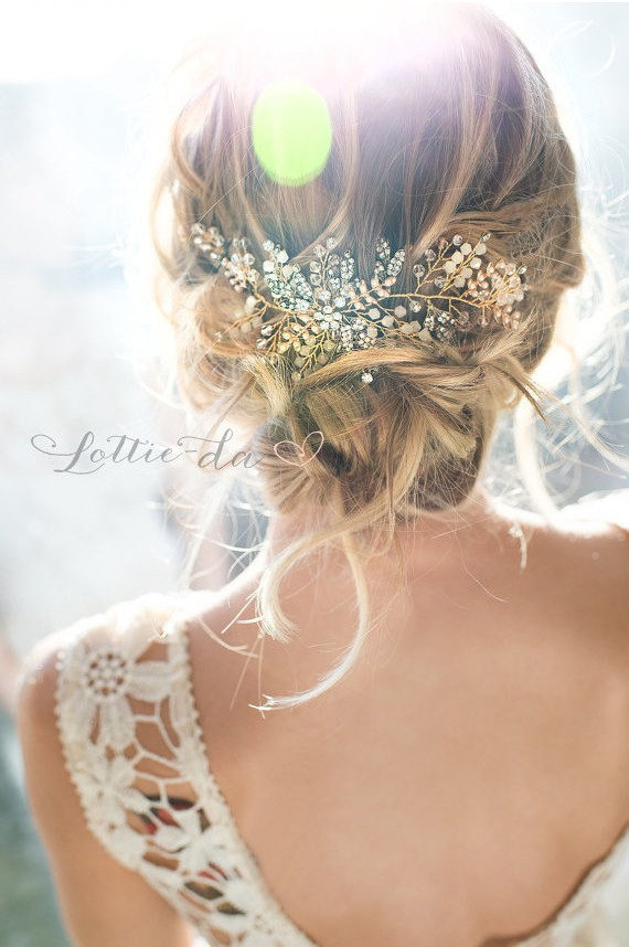 Leaf Wedding Headband / Headpiece by Lottie-da Designs | https://emmalinebride.com/2016-giveaway/leaf-wedding-headband/