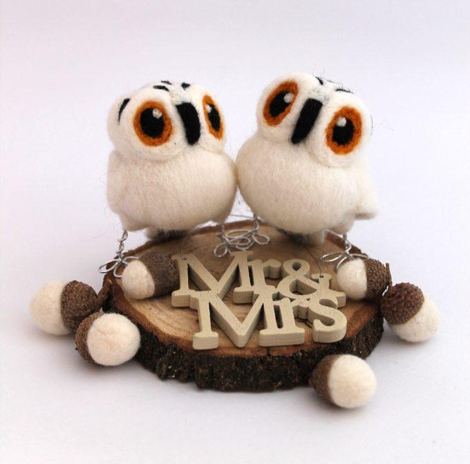Harry Potter Wedding Cake Topper | http://emmalinebride.com/wedding-ideas/harry-potter-cake-topper/