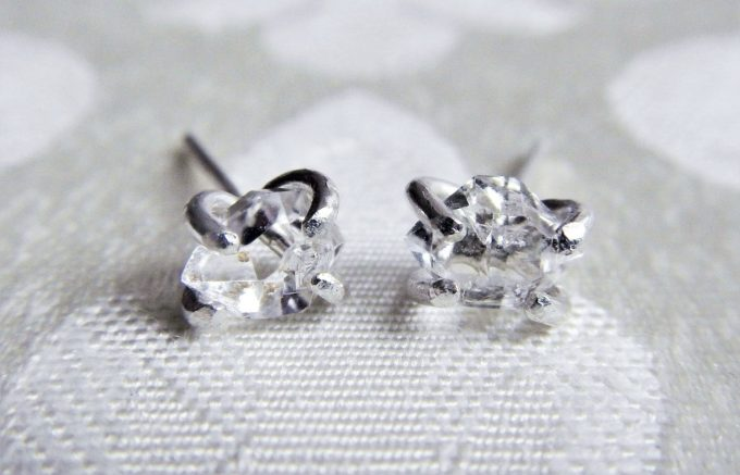 Herkimer diamond earrings your bridesmaids will love! By Gaia's Candy. via Emmaline Bride. https://emmalinebride.com/gifts/bridesmaids-herkimer-diamond-earrings/