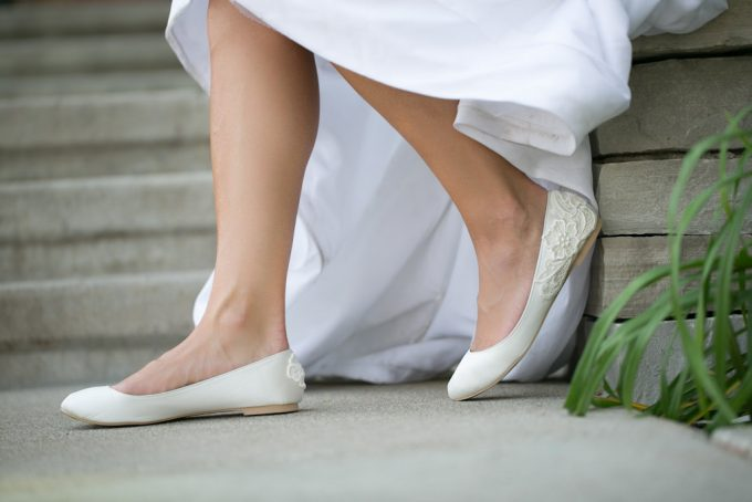 Bridal Flats with Lace | 21 Wedding Flats That Will Look Beautiful for the Bride - http://emmalinebride.com/bride/wedding-flats-bride/