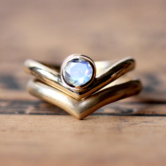 moonstone-engagement-ring-by-metalicious