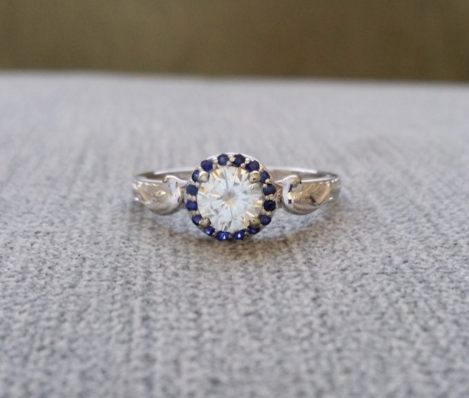 Where to buy antique engagement rings online on Etsy | ring via Penelli Belle