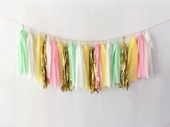 Tassel Garland for Weddings | by EllenorShop | http://etsy.me/2g1BCxj
