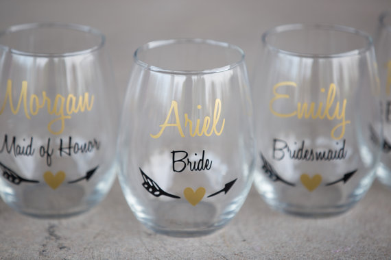 bridesmaid-wine-glasses