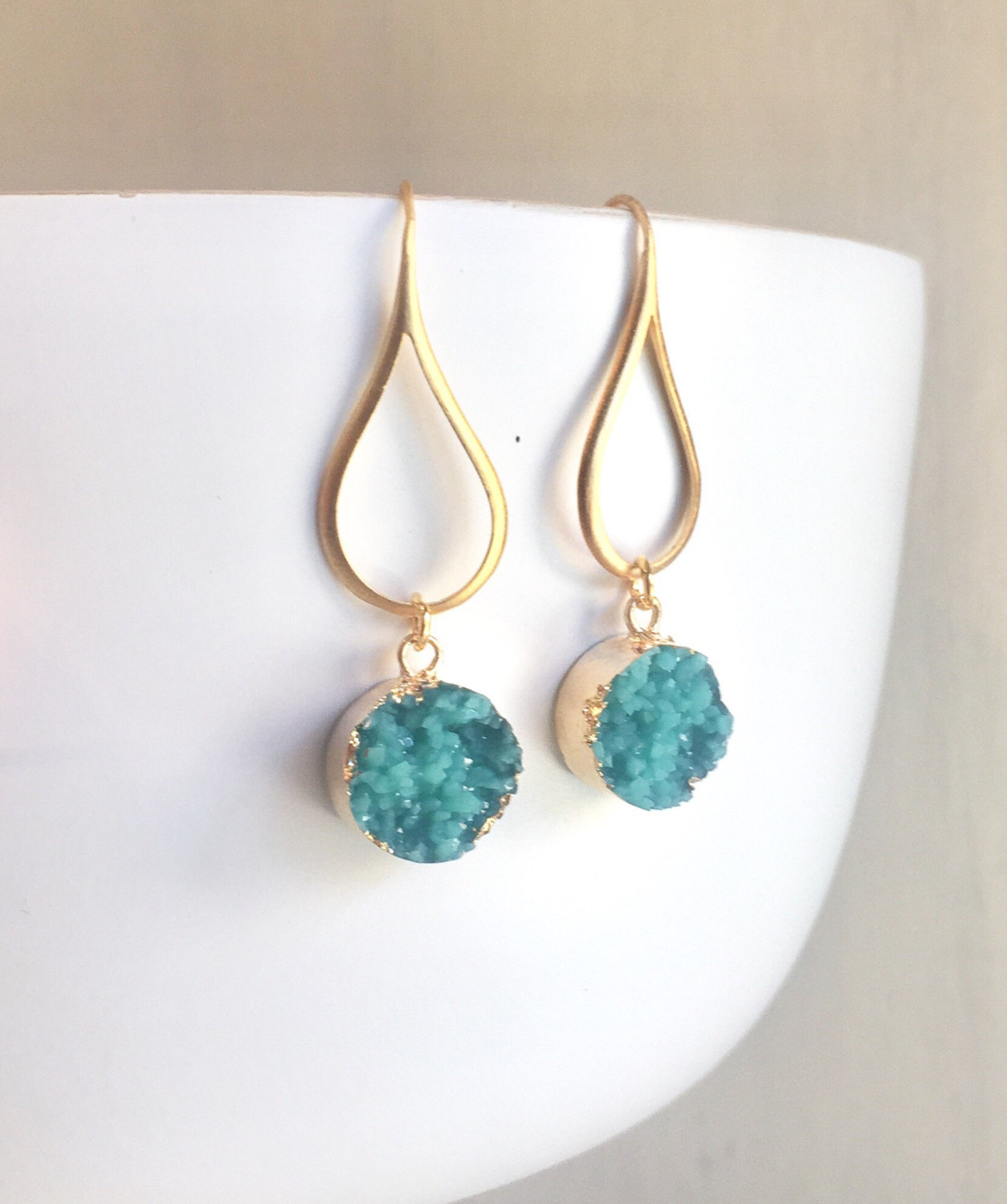 druzy necklace by Rustic Gem Jewelry | via Druzy Earrings Giveaway https://emmalinebride.com/2017-giveaway/druzy-earrings-giveaway/