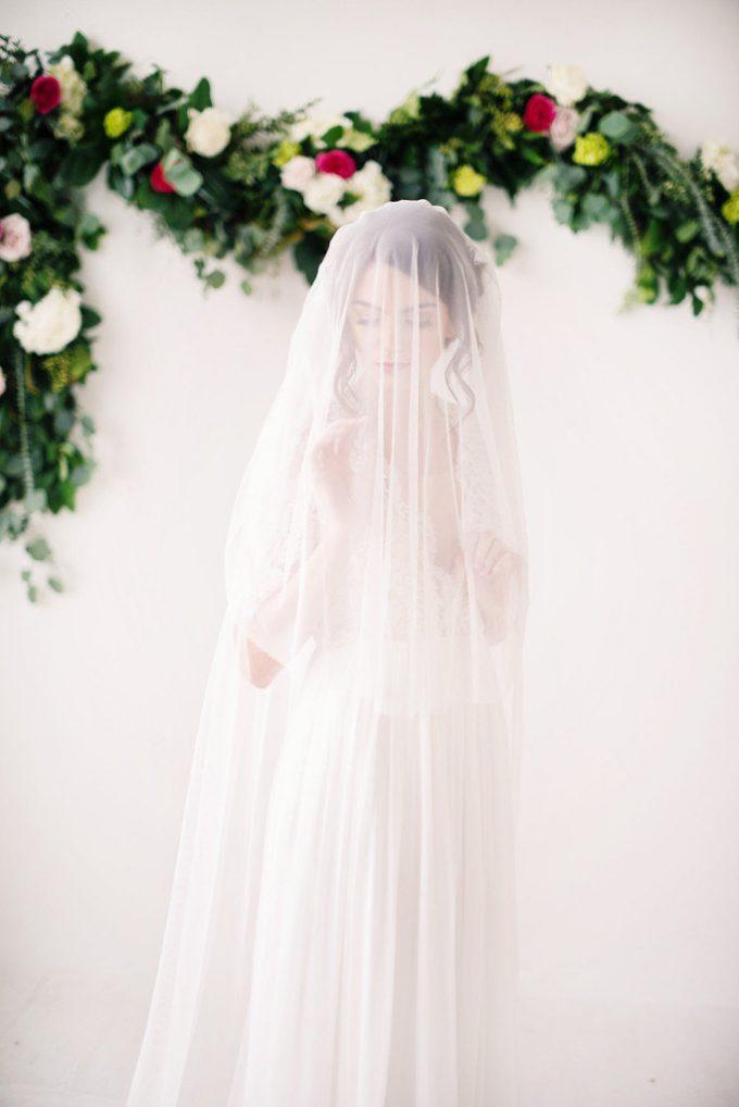 English net bridal veil | long wedding veils under $200 | https://emmalinebride.com/bride/long-wedding-veils-under-200/