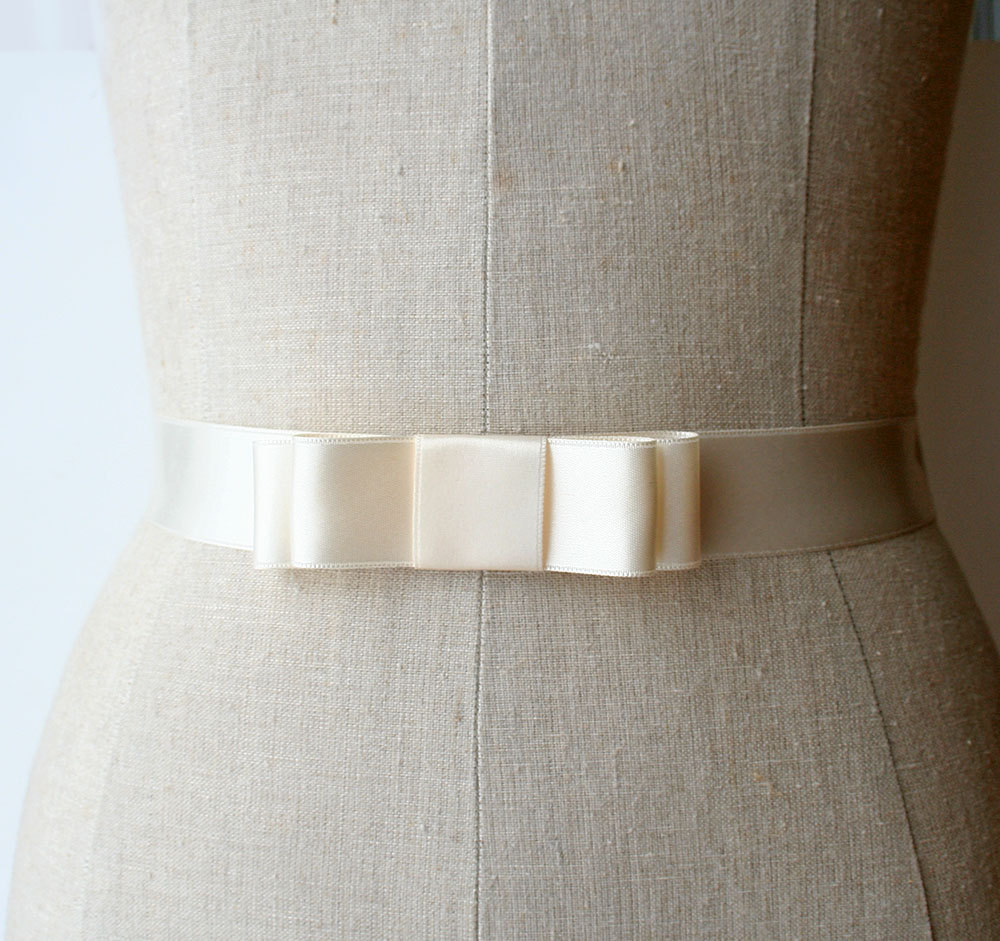 ribbon bow | elegant bridal sashes by laura stark | http://emmalinebride.com/bride/elegant-bridal-sashes/