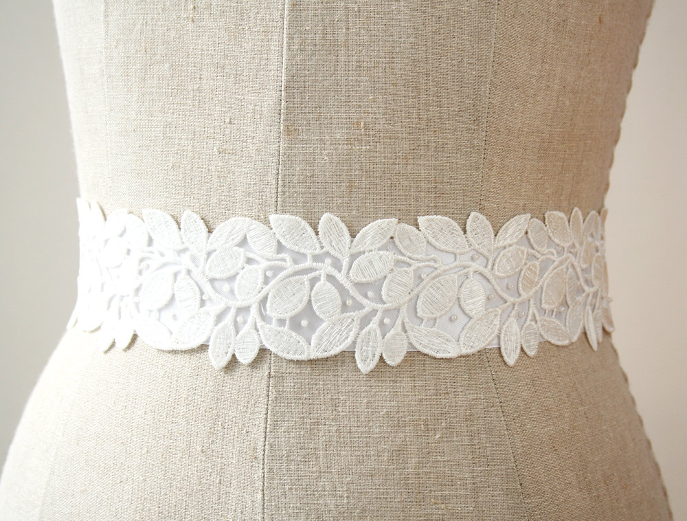 white dress sash | elegant bridal sashes by laura stark | http://emmalinebride.com/bride/elegant-bridal-sashes/
