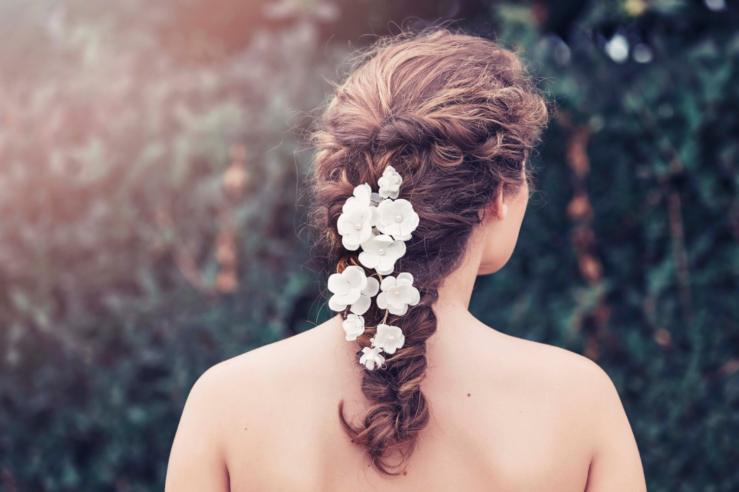 Bridal hair vines for weddings | by Gadegaard Design | photo by Tina Liv | https://emmalinebride.com/bride/bridal-hair-vines--for-weddings/