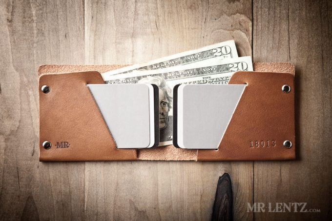 best man gift to groom | wallet by mr lentz | http://emmalinebride.com/gifts/best-man-gift-to-groom/