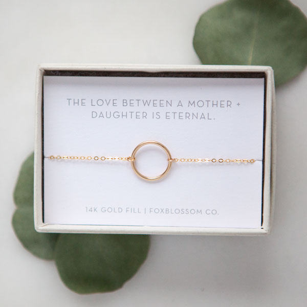 17 Unique Gifts for the Bride from Her Mother | http://emmalinebride.com/bride/unique-gifts-for-the-bride-from-her-mother/