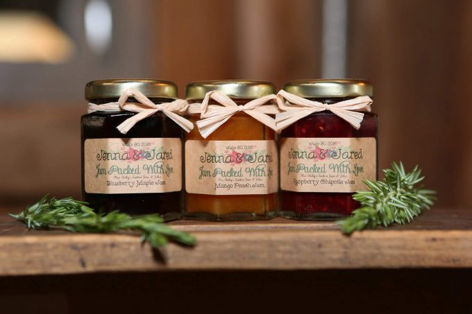 Where to Place Wedding Favors | Emmaline Bride | jar wedding favors from miss shelley's southern jam and jelly