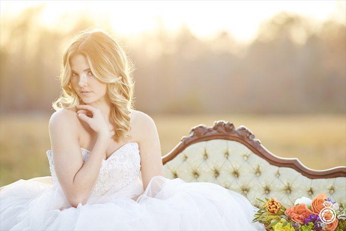 Barn Wedding Inspiration with Modern Flair | https://emmalinebride.com/real-weddings/barn-wedding-inspiration-with-modern-flair/ | photo by Marcus Anthony Photography - Wilmington Wedding Photographer