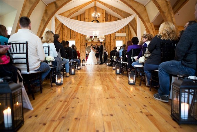 Get a Live Wedding Experience Wolf Oak Acres - Upstate New York Wedding Venue | https://emmalinebride.com/real-weddings/live-wedding-experience-wolf-oak-acres/ | photo by Paduano Studios