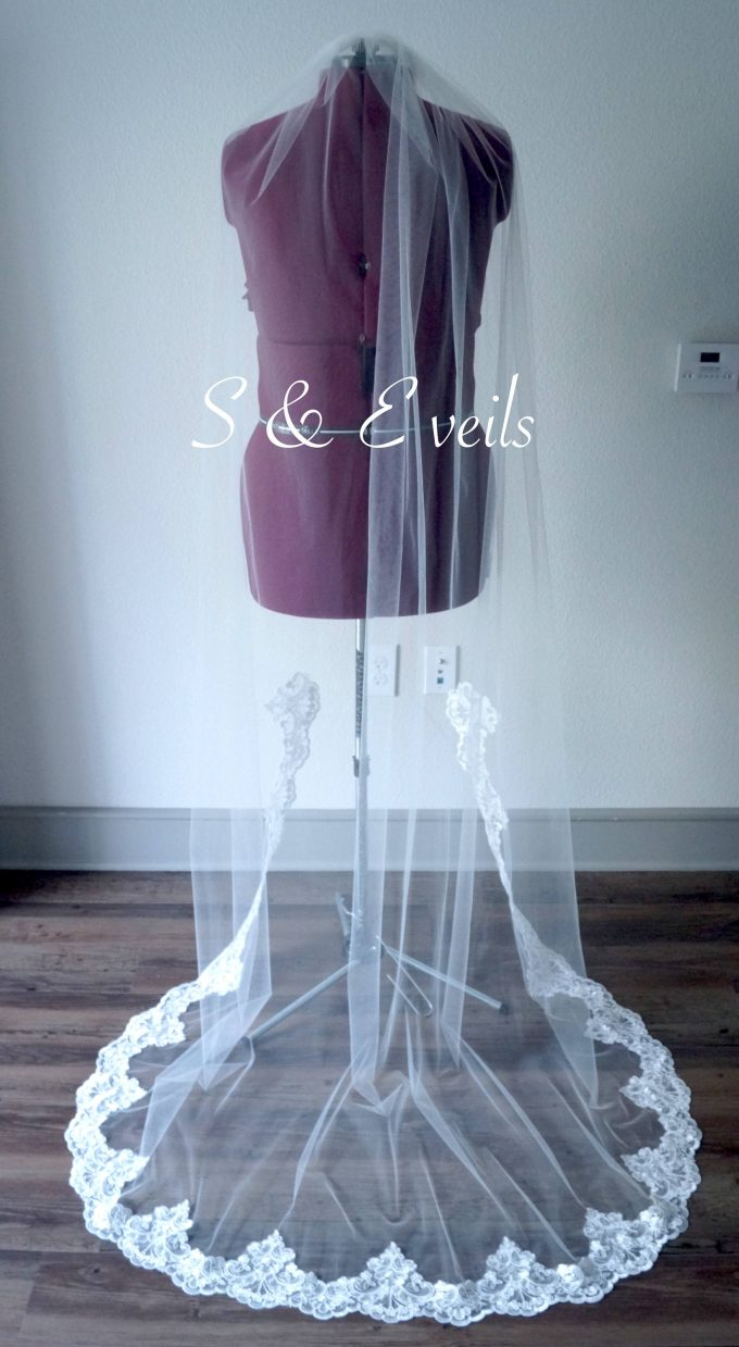 lace veil | via win a free bridal veil from s & e veils at emmaline bride: https://emmalinebride.com/veils/free-bridal-veil/