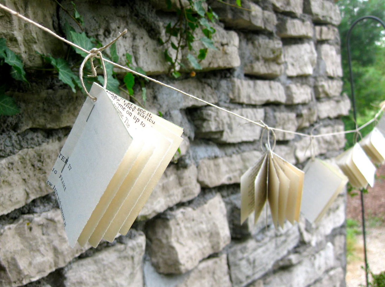 paper garland wedding