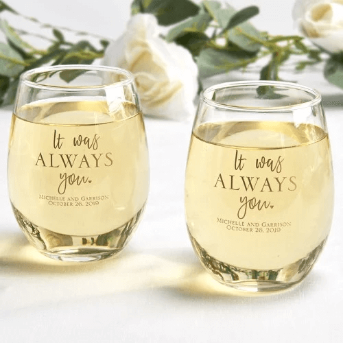 best wedding tips for brides - wine glass favors