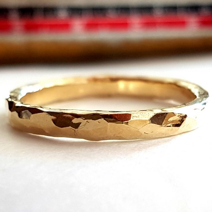 mens hammered wedding band