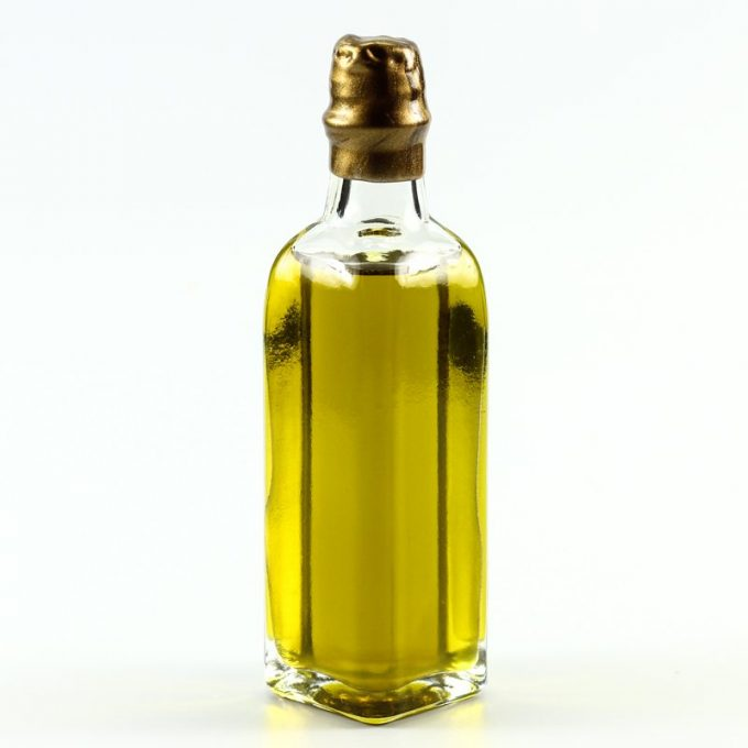 wedding favors ideas - mini oil favors via http://shrsl.com/153uz