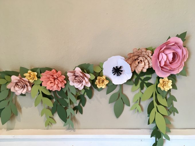 how to decorate with paper garland and flowers