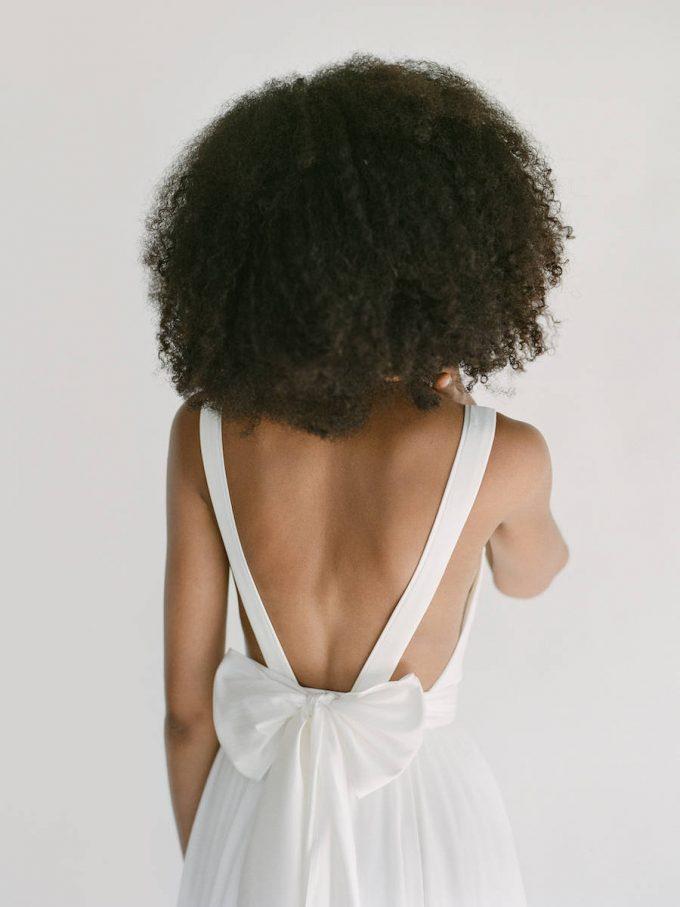 backless wedding dress with bow