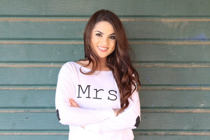 mrs t shirt with heart elbows by arenlace