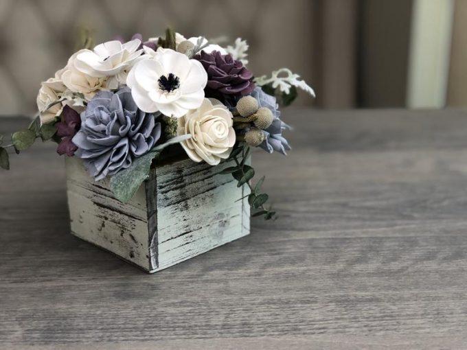 save money on wedding flowers