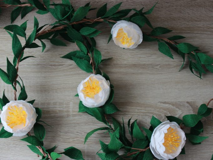 make a flower wall