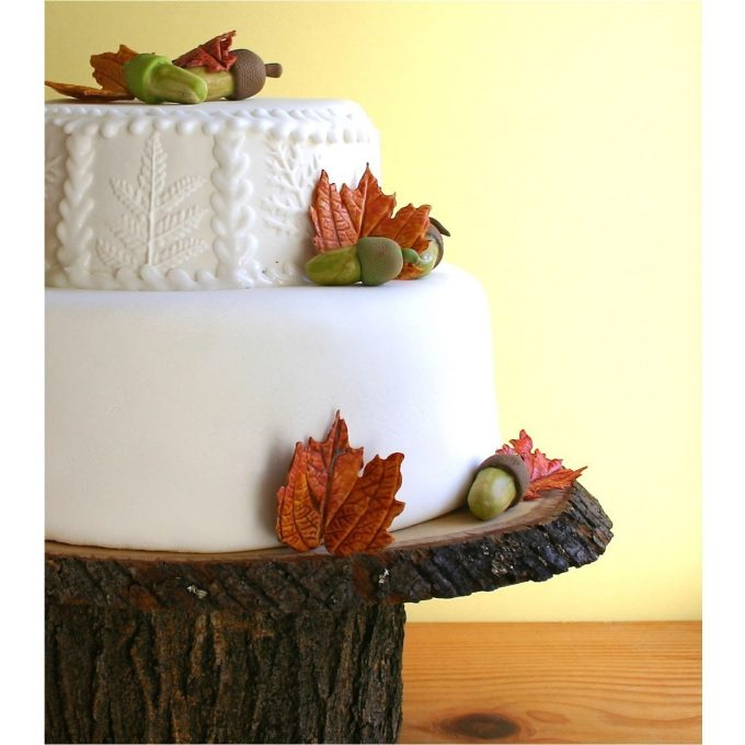 rustic cake stand for weddings