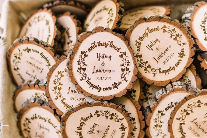 wood magnet favors