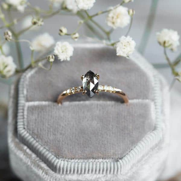 Tips for Buying Engagement Ring Online