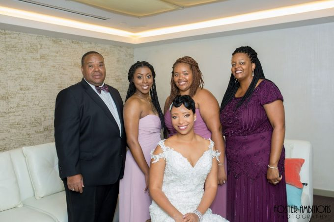 bride and her family - le club avenue wedding