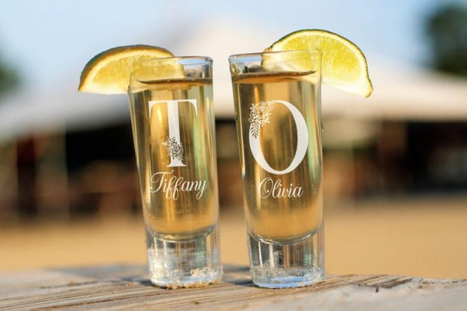 personalized shot glasses for weddings