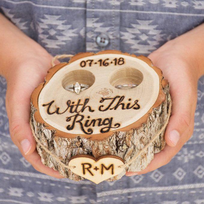 ring holder tree stump