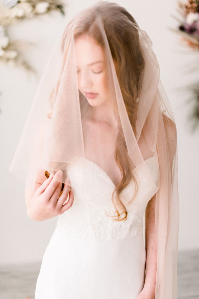 2020 wedding veil trends - soft tulle bridal veil