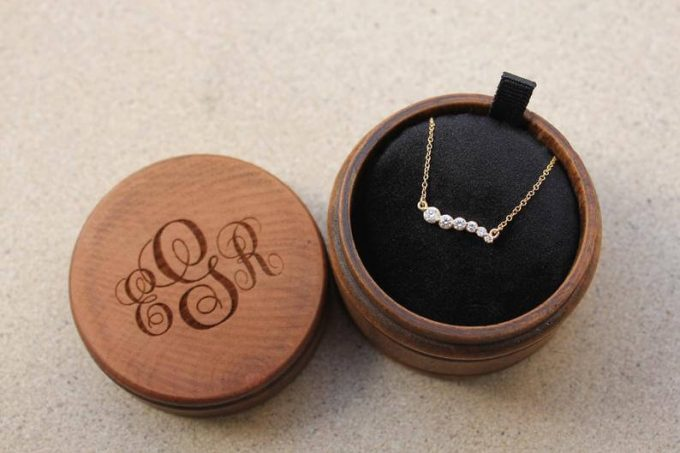 minimalist graduated prong diamond necklace