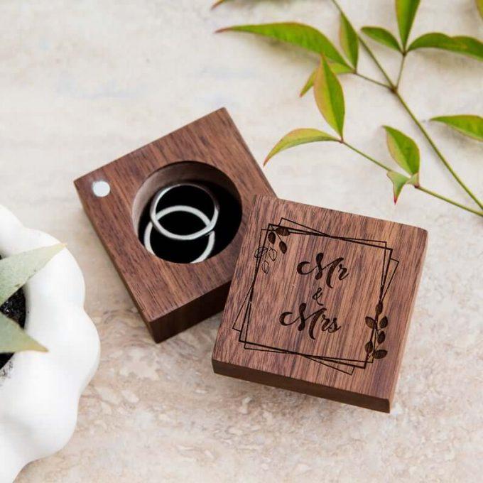 rustic heart shaped ring box
