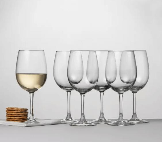 wine glasses in bulk