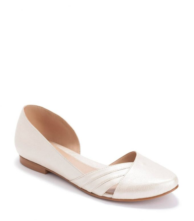 ivory wedding flats for bride