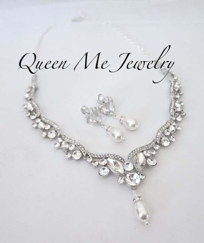 bridal jewelry with strapless dress