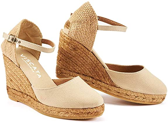 beach wedding shoes guest