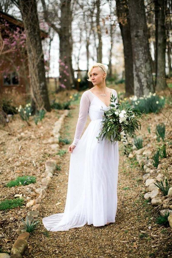 wedding dress that covers shoulders