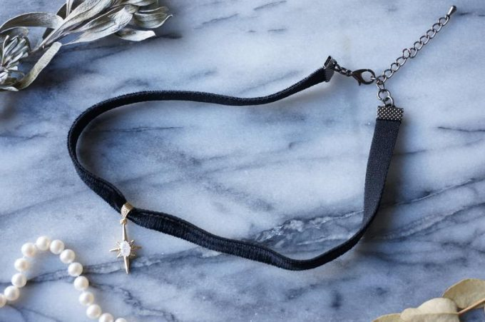 velvet choker necklace for her