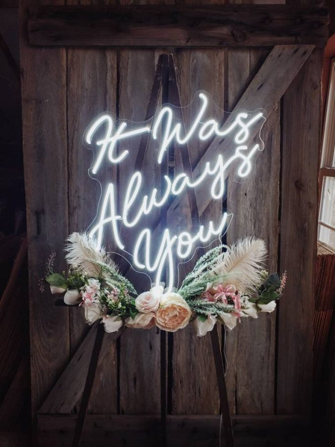 neon decorations for weddings