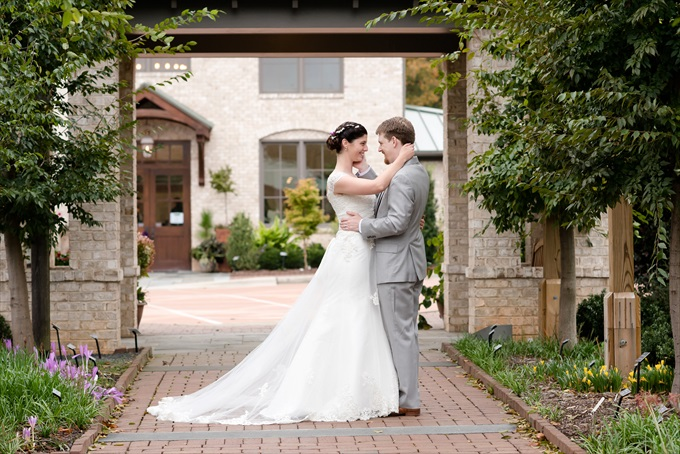 Michelle Robinson Photography | North Carolina Botanical Gardens Wedding in Kernersville - https://emmalinebride.com/?p=129864
