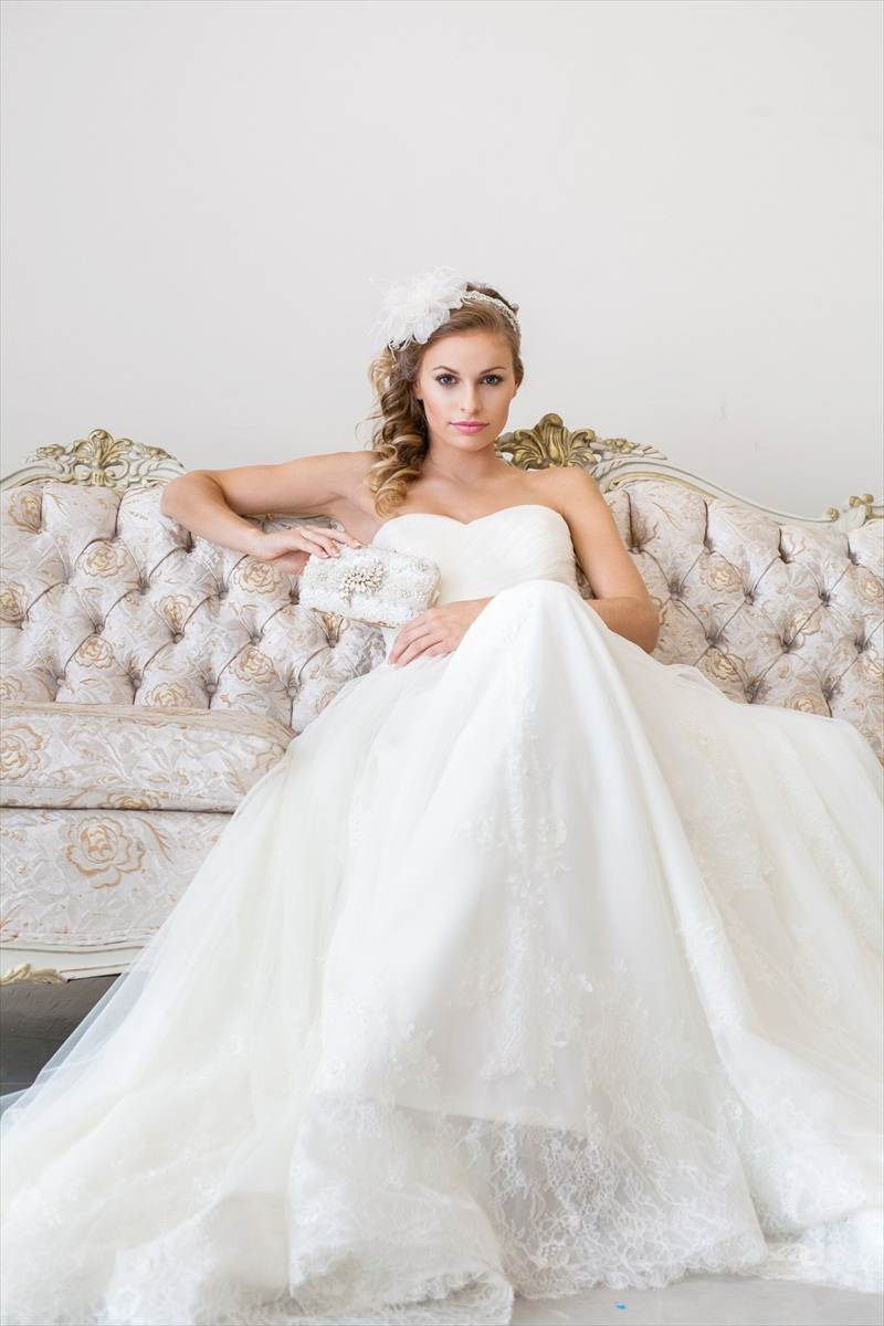 Bridal Clutch Purse by Cloe Noel - Photo by La Candella Weddings
