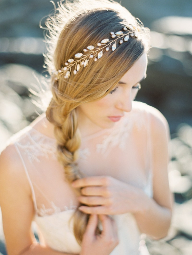 This rhinestone wedding crown is made with crystal and gold rhinestones and blush colored freshwater pearls.  By Melinda Rose Design | http://emmalinebride.com/bride/rhinestone-wedding-crown/