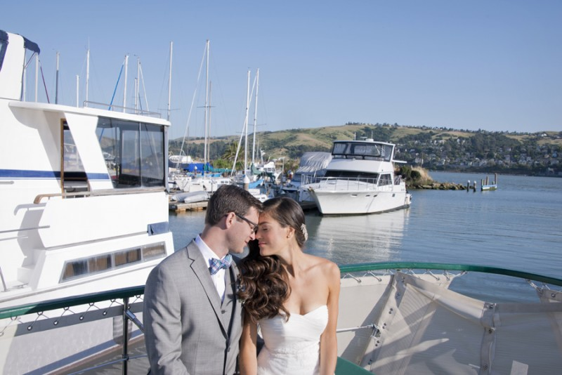 Beautiful seaside wedding ideas + inspiration  | photo: christine glebov, planner/stylist: your moments | via A Dreamy Seaside Wedding Shoot at Glen Cove Marina https://emmalinebride.com/real-weddings/seaside-wedding-glen-cove-marina/